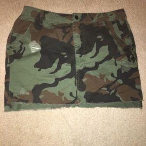 Forever21 camouflage skirt